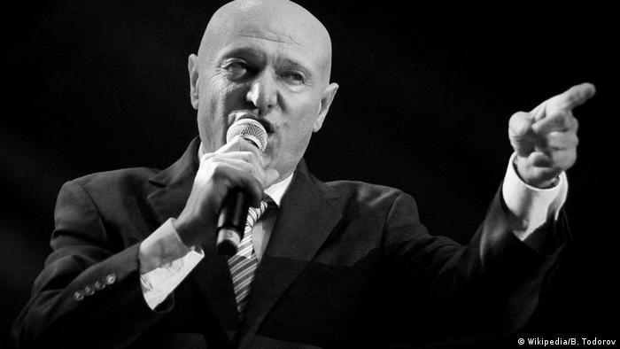 Serbian music star Saban Saulic killed in crash with German
