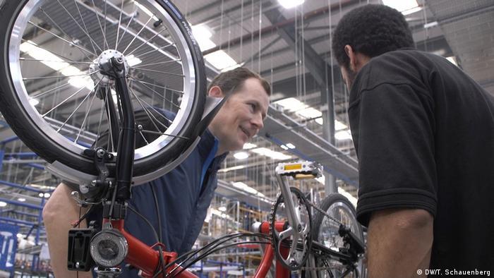Großbritannien London Fahrradhersteller Brompton - Unternehmen horten für Brexit