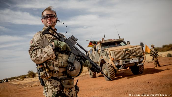 Mali German military (picture-alliance/dpa/M. Kappeler)