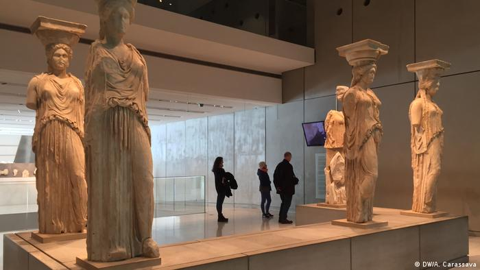 Statues at the Akropolis museum