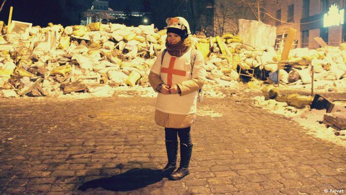 Волонтерка Олеся Жуковська на Майдані, лютий 2014 року