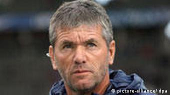 Fußball Bundesliga Hertha Berlins Trainer Friedhelm Funkel war enttäuscht von der Leistung seiner Mannschaft. Foto: Alina Novopashina dpa/lbn