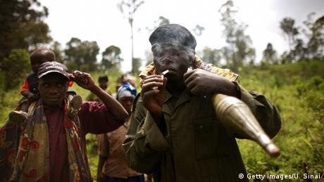 بر فراز جمهوری دموکراتیک کنگو شورشیان توتسی یک بوئینگ ۷۲۷ خطوط هوایی کنگو ایرویز را سرنگون کردند. ۴۱ سرنشین هواپیما جان باختند.