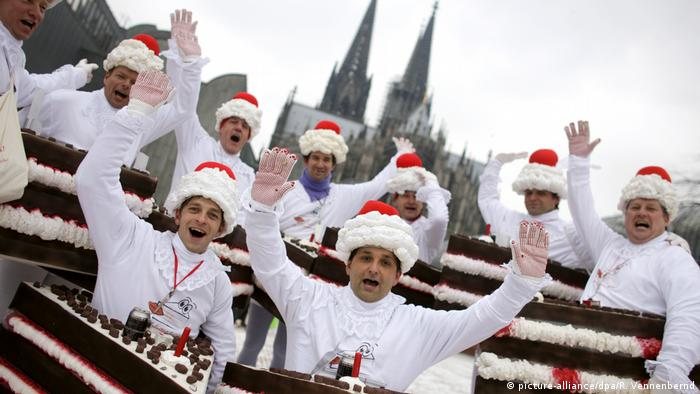 Cologne Carnival (picture-alliance/dpa/R. Vennenbernd)