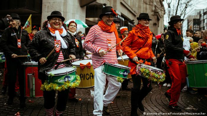 Cologne Carnival (picture-alliance/Fotostand/Metzemacher)
