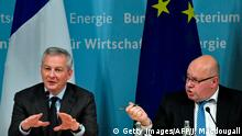 German Economy Minister Peter Altmaier (R) and his French counterpart Bruno Le Maire give a press conference on February 19, 2019 in Berlin, following talks on EU industrial policy. (Photo by John MACDOUGALL / AFP) (Photo credit should read JOHN MACDOUGALL/AFP/Getty Images)