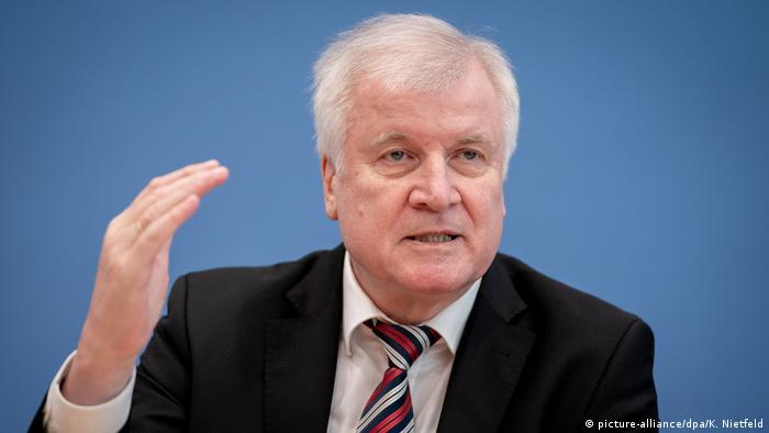 Germany: Horst Seehofer sets terms for repatriating ′Islamic State ...