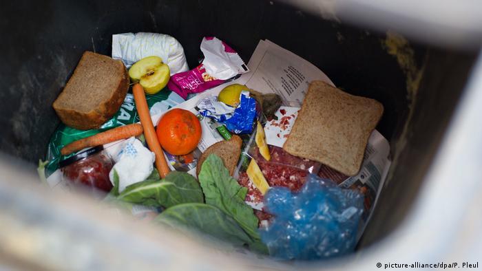 Lebensmittelverschwendung (picture-alliance/dpa/P. Pleul)