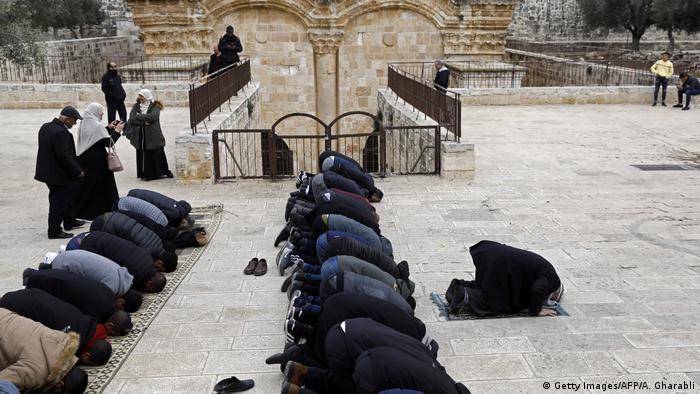 Gläubige auf dem Areal der Al-Aksa-Moschee