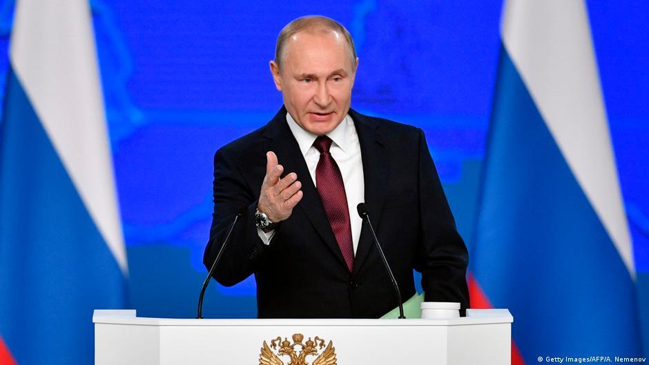 بوتين يهدد بنشر صواريخ تصل للولايات المتحدة والناتو يرد