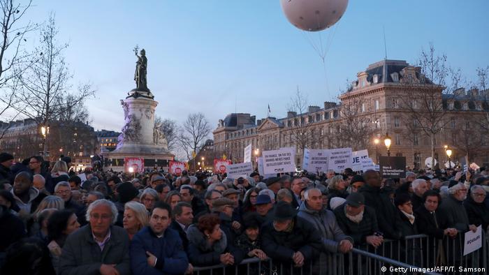 Акция протеста против антисемитизма в Париже 19 февраля 2019 года