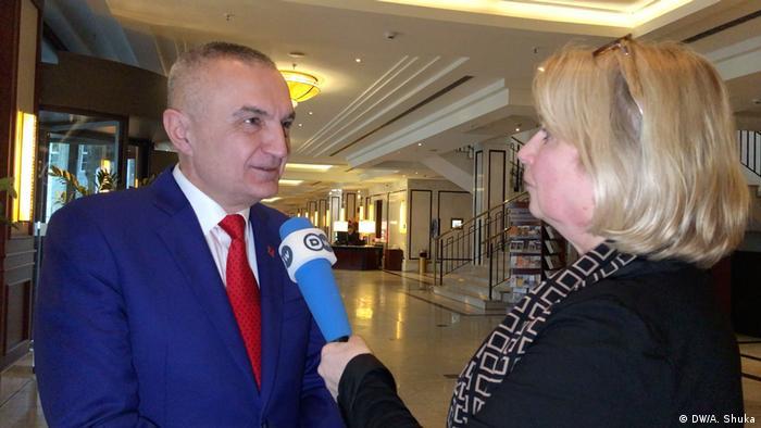 Albanischer Präsident Ilir Meta im DW-Interview mit Adelheid Feilcke
