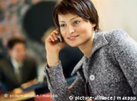 Estudio internacional comprueba que hablar por teléfono móvil no causa tumores en el cerebro.