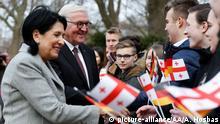 Deutschland Berlin - Bundespräsident Frank-Walter Steinmeier und Salome Surabischwili, Präsidentin von Georgien
