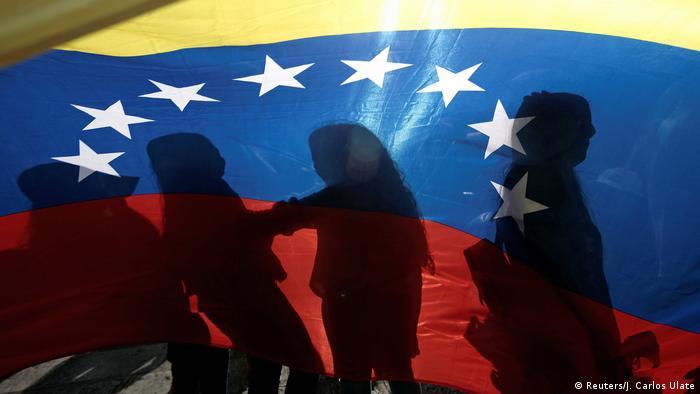 Costa Rica Demo von Venezulanern für Guaido