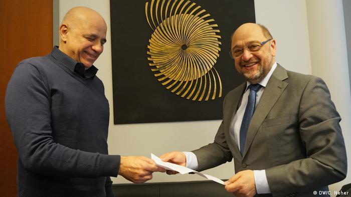A pedido de Lula, Jessé de Souza entrega carta do ex-presidente ao deputado alemão Martin Schulz