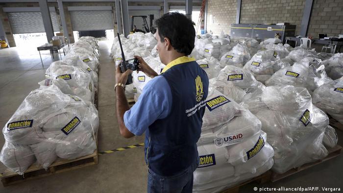 Kolumbien Cucuta - Hilfsgüter (picture-alliance/dpa/AP/F. Vergara)