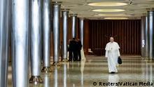 Vatikan Missbrauchs-Gipfel: Papst fordert konkrete Maßnahmen von Bischöfen