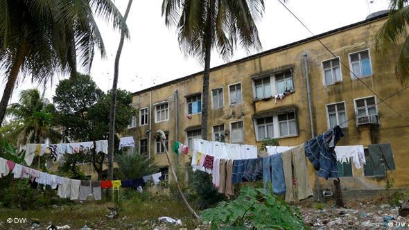 Plattenbauten in Sansibar-Stadt (Foto: DW)