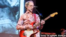 Peter Tork of Monkees fame, performing in New York in 2016 (Getty Images/M. Eisman)