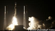 USA, Cape Canaveral: Launch of Falcon-9 Rocket with Israeli moon lander Beresheet on bord (picture-alliance/dpa/T. Renna)