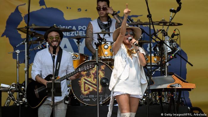 На концерте Venezuela Aid Live