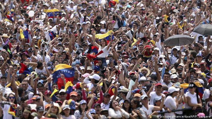 Kolumbien | Konzert an der Grenze zu Venezuela (picture-alliance/dpa/AP/F. Vergara)