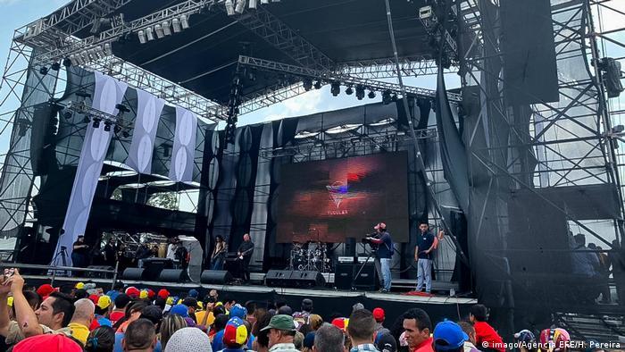 Venezuela | Konzert an der Grenze zu Kolumbien in Urena (imago/Agencia EFE/H. Pereira)
