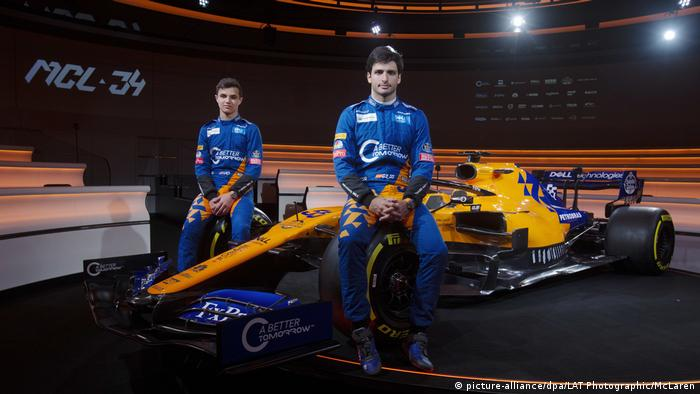 Lando Norris and Carlos Sainz Jr. (picture-alliance/dpa/LAT Photographic/McLaren)
