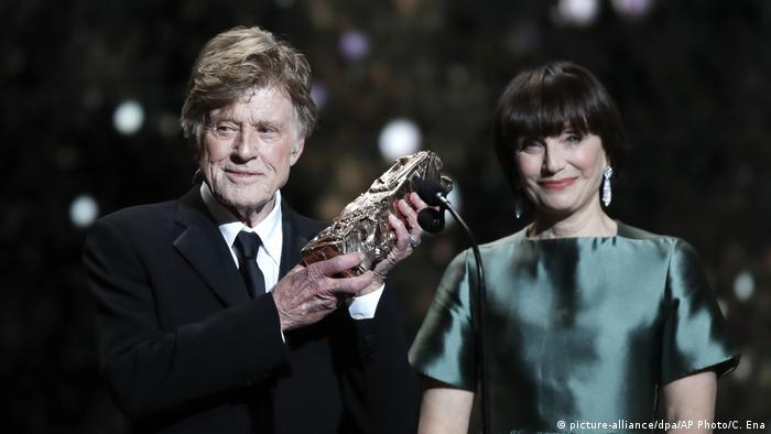 Frankreich | Cesar Filmpreis in Paris verliehen | Robert Redford und Kristin Scott Thomas (picture-alliance/dpa/AP Photo/C. Ena)