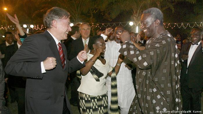 La volonté de l'Allemagne de développer les relations avec l'Afrique n'est pas nouvelle ... Ici les anciens présidents allemand et ghanéen, Horst Köhler et John Kufuor, en 2007