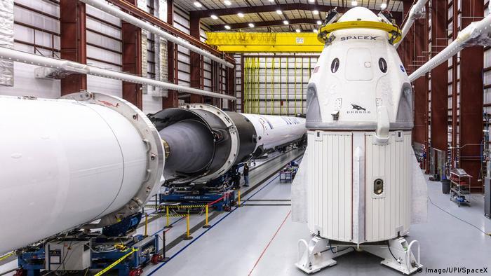Vorbereitungen SpaceX s Demo-1 Mission Crew Dragon Weltraumkapsel