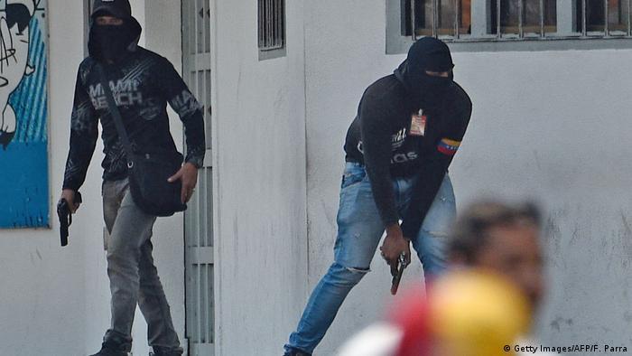 Venezuela San Antonio del Tachira Maduro-Paramilitärs bedrohen Opposition