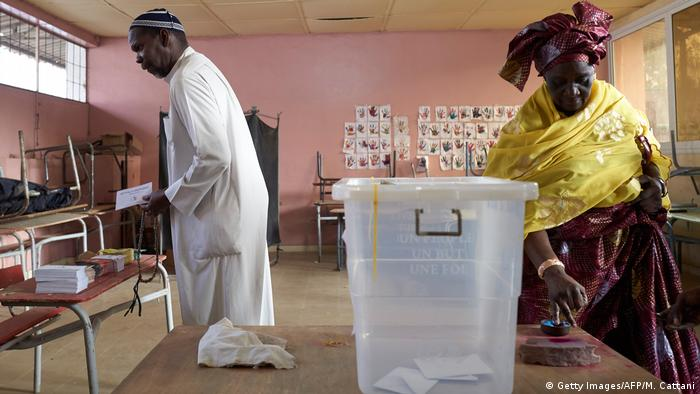 Wahllokal im Senegal (Getty Images/AFP/M. Cattani)