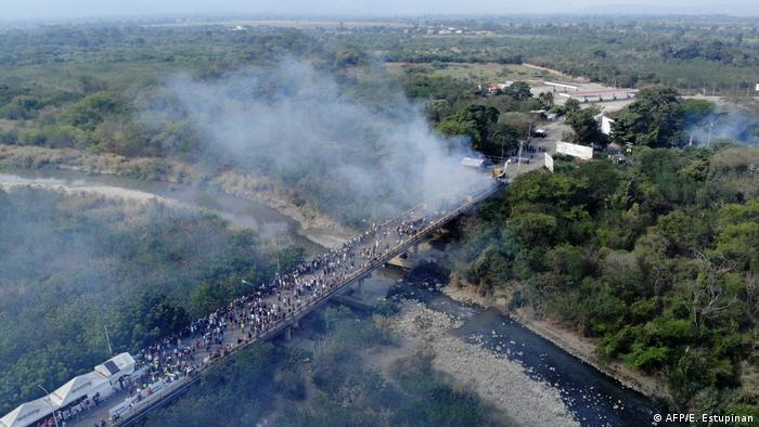 Kolumbien Grenze Venezuela Brennende Hilfsgüter