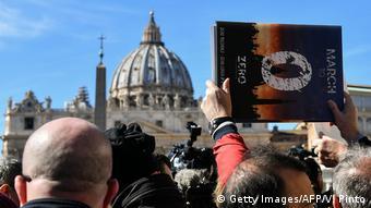 Vatikan Missbrauchsgipfel Proteste von Opfern