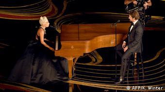 Oscarverleihung 2019 | Lady Gaga und Bradley Cooper (AFP/K. Winter)