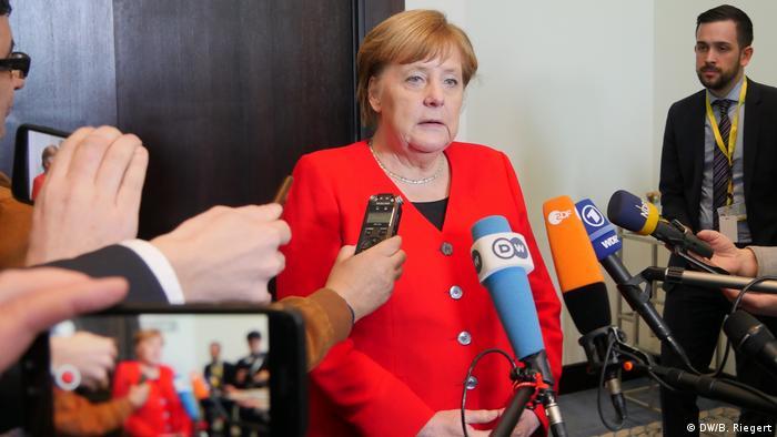 Анґела Меркель, схоже, не проти, аби інтерв'ю в неї брали колеги по партії