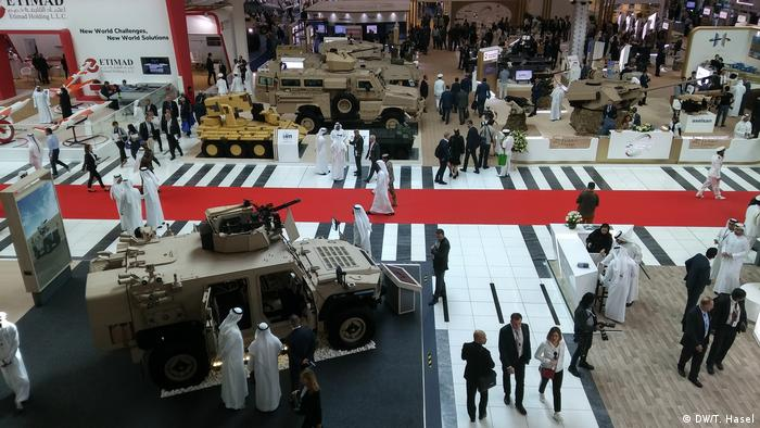 The latest state-of-the-art technology was on display at the IDEX in Abu Dhabi (DW/T. Hasel)
