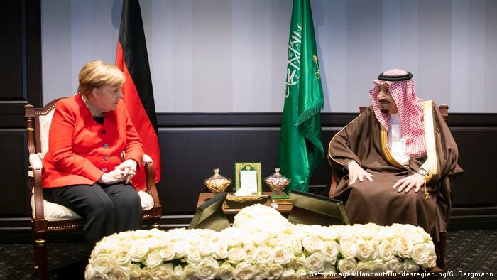 Almanya Başbakanı Angela Merkel zirve kapsamında Suudi Arabistan Kralı Selman bin Abdulaziz el Suud ile de görüştü.