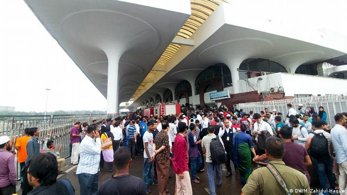 Outside view of Dhaka airport in Bangladesh Flughafen