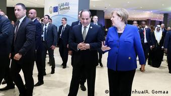 Ägypten Gipfel EU und Arabische Liga in Sharm El Sheikh Merkel und al-Sisi