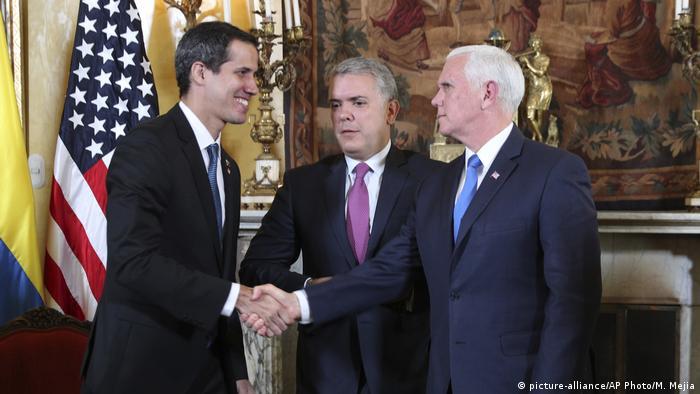 Juan Guaidó ao lado do vice-presidente americano, Mike Pence, e do presidente da Colômbia, Iván Duque