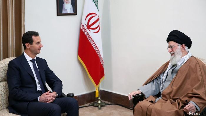 Bashar a--Assad bertemu dengan pemimpin tertinggi Iran Ayatollah Ali Khamenei di Teheran, Februari 2019.