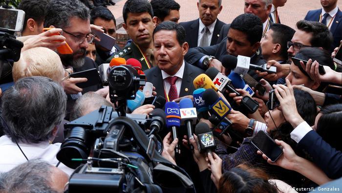Resultado de imagem para Crise na Venezuela expõe divisão entre militares e olavismo