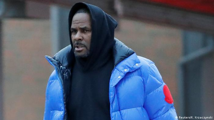 R Kelly leaving jail in Chicago