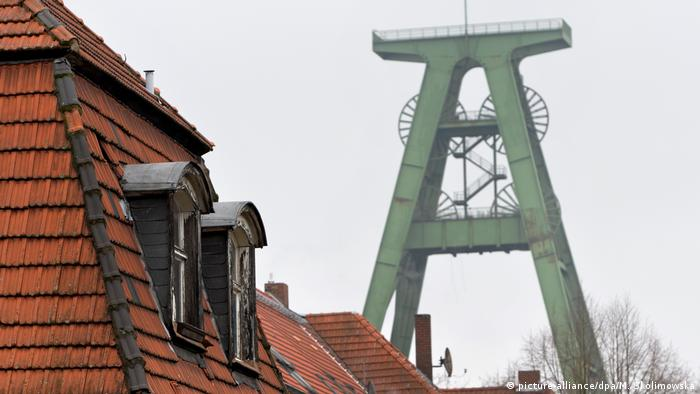 Winding tower of Lohberg colliery (picture-alliance/dpa/M. Skolimowska)