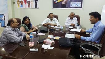 DW Akademie Pakistan - Treffen mit dem Generalsekretär und Projektmitarbeitern des Council of Pakistan Newspaper Editors Karachi