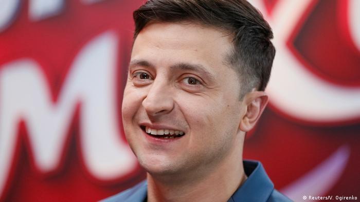 Владимир Зеленский за кулисами шоу Лига смеха в Киеве, февраль 2019 года