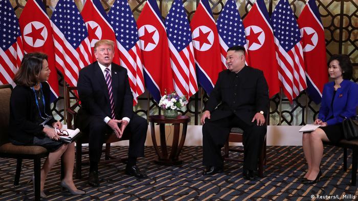 Donald Trump y Kim Jong Un en Hanói